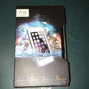 Brand new iPhone 6 frē grey & white lifeproof case